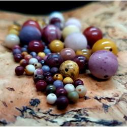 Stone beads (9)